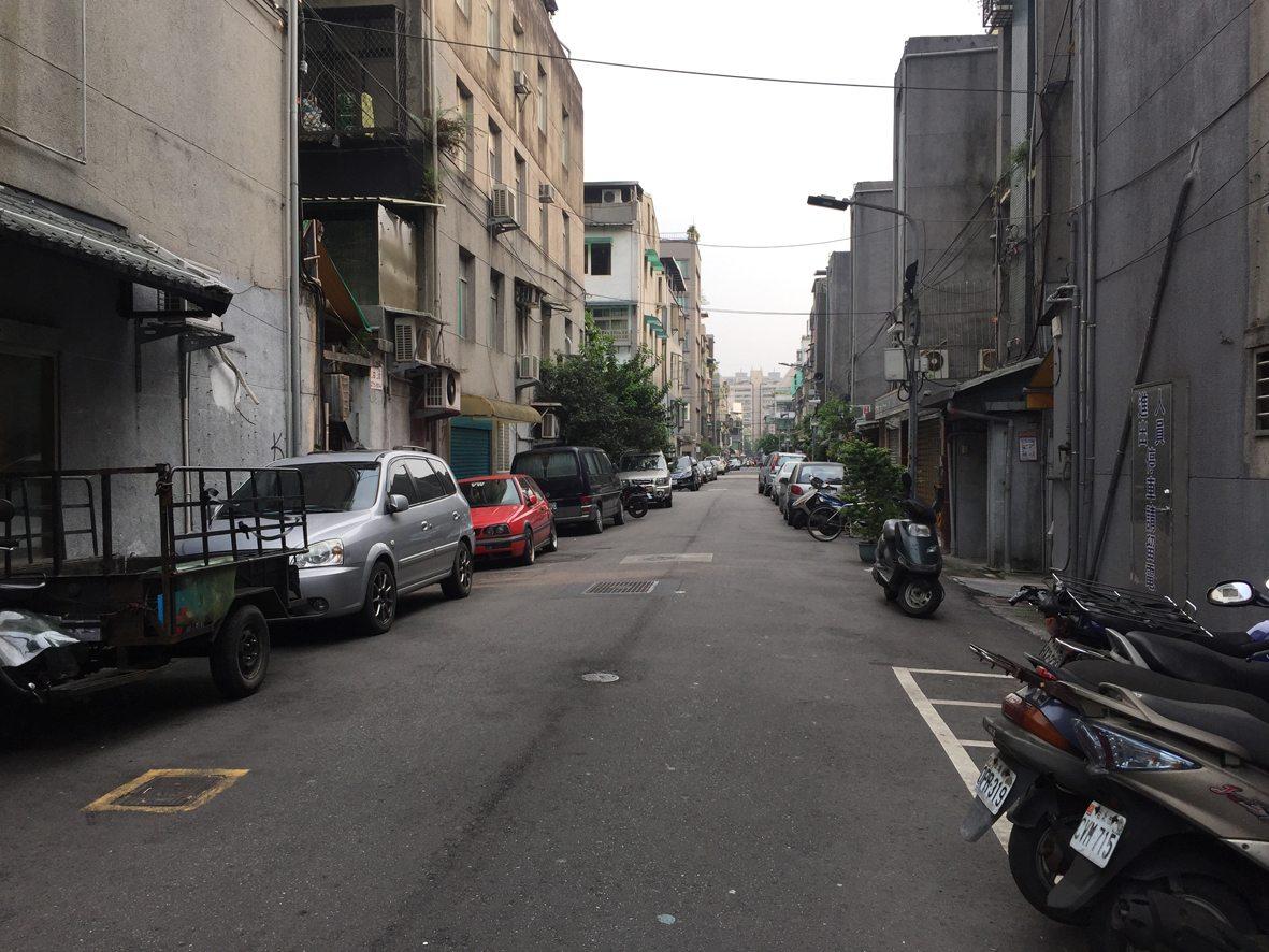 人行道行步行40