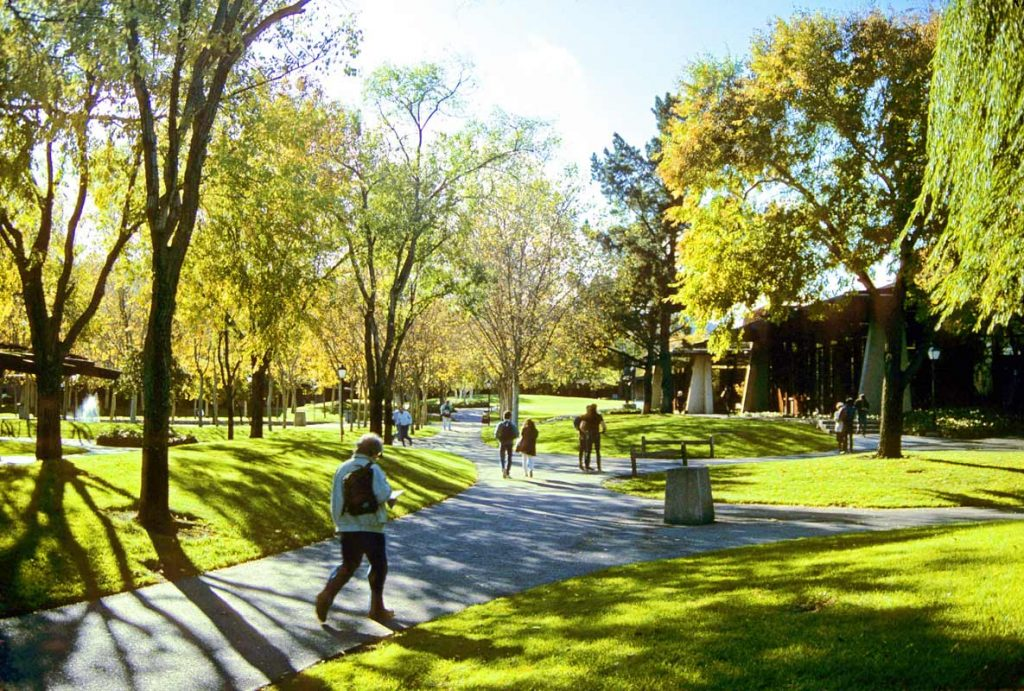 08-FoothillCollege
